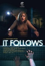 Horror It Follows Coś za mną chodzi  2015